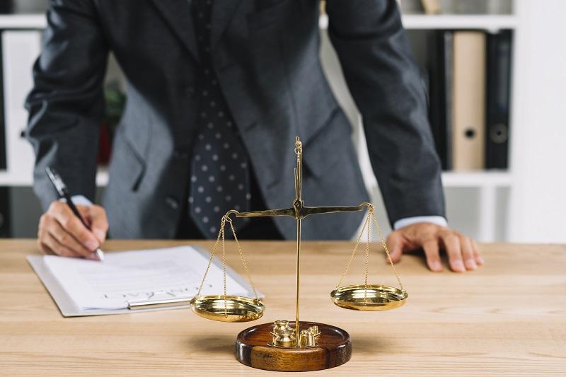 Zawody prawne – kim może zostać magister prawa